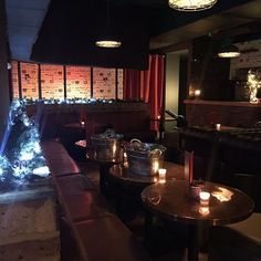 Celebrate the festive season in style at this classy cocktail bar & lounge in Canary Wharf, London.  Christmas is coming!
