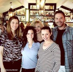 '7th Heaven' Cast Reunites for Jessica Biel's Restaurant Opening