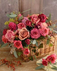 Trendy Ideas For Birthday Flowers Bouquet Beautiful Roses Floral Arrangements Flowers Roses Bouquet, Rose Bouquet, My Flower, Pretty Flowers, Deco Floral, Arte Floral, Beautiful Flower Arrangements, Floral Arrangements, Flower Arrangements In Baskets