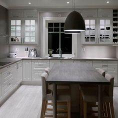 Klassisk kjøkken levert på Geilo. #strai #straikjøkken #straikjokken #ektenorsk #kitchen #kjøkken #kjøkkendetaljer #kjøkkeninnredning #kjøkkeninspirasjon #kjøkkeninspo #kjøkkeninteriør #nyttkjøkken #norskdesign #nordicdesign #nordicliving #nordichome #scandinavianhome #scandinaviandesign #norskkvalitet #siden1929 #kvalitetskjøkken #husoghjem #tipstilhjemmet #interiør #interior #interiordesign #hallingdal #geilo