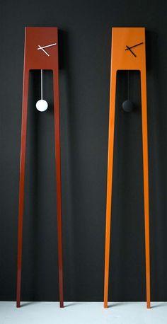 Wanduhr mit Pendel modernes Design