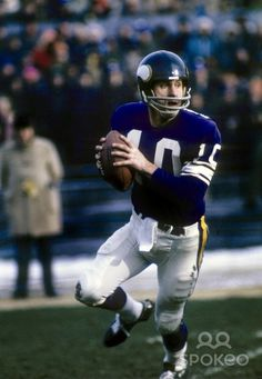 Minnesota Vikings quarterback Fran Tarkenton (10) in action during the 1973 season at Metropolitan Stadium. Description from spokeo.com. I searched for this on bing.com/images