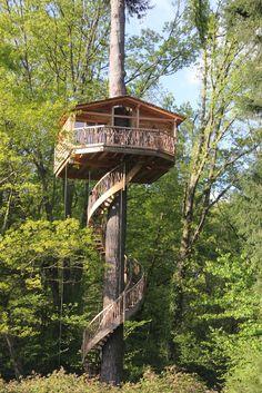 Cabaña Txantxangorria : Hoteles de estilo escandinavo de Cabañas en los árboles