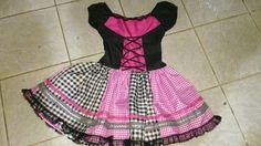 Vestido junino preto e rosa...