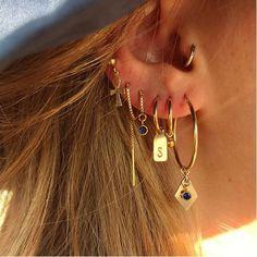 Industrial Barbell - Gunmetal Black Arrow Double Piercing Ear Bar - Barbell and Chain 1 1 1 - 1 Scaffold Barbell Rue Gembon - Rue Gembon Summer Gold Stud Ear Jacket Ear Jewelry, Dainty Jewelry, Cute Jewelry, Gold Jewelry, Jewelry Accessories, Jewellery, Luxury Jewelry, Jewelry Ideas, Fashion Accessories