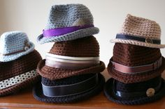 This listing is for the instant pdf download for the crochet pattern of the Classic Fedora, not the finished product. Because of the nature of the