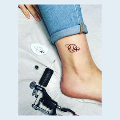 101 Unique Travel Tattoos to Fuel Your Eternal Wanderlust - Warning: Only committed travelers allowed. If you have a never-ending case of wanderlust, this awe- - Unique Tattoos, Small Tattoos, Globus Tattoos, Tattoo Passion, World Tattoo, Couple Tattoos, Tattoo Inspiration, Tattoos For Women, Traveling By Yourself