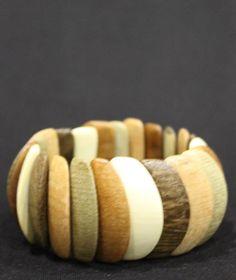 Большой браслет из цветной древесины вбр540