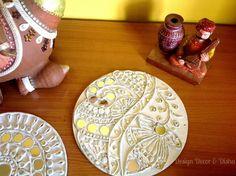Lippan Work, Mud Mirror Work, Lippan work on wooden panel. Hobbies And Crafts, Arts And Crafts, Rajasthani Art, Mural Wall Art, Murals, Indian Folk Art, Madhubani Painting, Mirror Art, Traditional Paintings