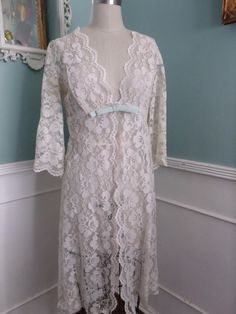 Vintage Lace Robe. Off White  40's 50's Lace by sailorpinkvintage, $58.00