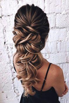 Wedding braids: 50 bridal hairstyles with braid - Pag .- Flechtfrisuren zur Hochzeit: 50 Brautfrisuren mit Zopf – Page 29 of 57 Wedding braids: 50 bridal hairstyles with braid – Page 29 of 57 – - Bridal Hairstyles With Braids, Wedding Hairstyles For Long Hair, Braids For Long Hair, Wedding Hair And Makeup, Easy Hairstyles, Hair Makeup, Prom Hairstyles, Hairstyle Ideas, Long Curls