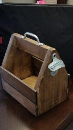 DIY Beer Tote: Free Plans by: Rogue Engineer This would make a GREAT Fathers Day gift for those Dads who love beer! Its crafty, homemade and something he will use! Use one of the many great stains from Rust-Oleum such as this one: http://www.rustoleum.com/product-catalog/consumer-brands/wood-care/ultimate-wood-stain/ to achieve a look he will love!