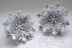 Фотография Christmas Hair Bows, Halloween Christmas, Christmas Wreaths, Christmas Decorations, Xmas, Christmas Ornaments, Diy Crafts Love, Foam Crafts, Baby Hair Clips