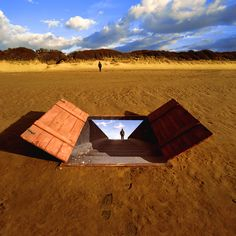 Pink Floyd to Muse - The iconic artwork of Storm Thorgerson Storm Thorgerson, Pink Floyd Album Covers, Pink Floyd Albums, Double Exposition, Dream Theater, Rene Magritte, Leicester, Led Zeppelin, Muse