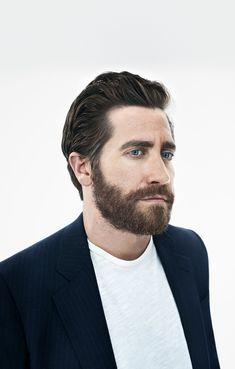 Jake Gyllenhaal, Donnie Darko, Celine Dion, Pretty Men, Beautiful Men, Cap And Gown, Famous Men, Poses, Actor