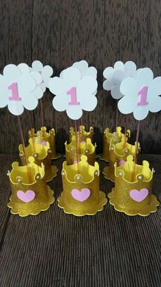 Baby Shower Ides For Girls Centros De Mesa First Birthdays Ideas Princess Theme Birthday, Baby Birthday, 1st Birthday Parties, Prince Party, Baby Shower, Party Centerpieces, Crown Centerpiece, Diy Party, Holiday Parties