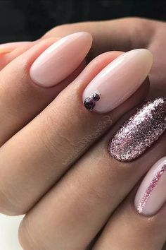 Both long nails and short nails can be fashionable and beautiful by artists. Short coffin nail art designs are something you must choose to try. They are one of the most popular nail art designs. Today, in this article, we have collected 40 stylish Pink Gel Nails, Glitter Gel Nails, Fun Nails, Pink Glitter, Nail With Glitter, Acrylic Nails, Gems On Nails, Jewel Nails, Almond Gel Nails