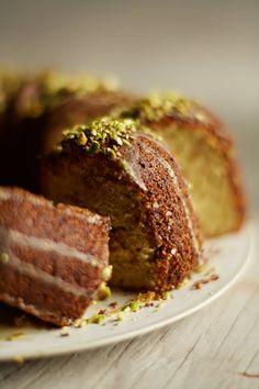 pistachio bundt cake