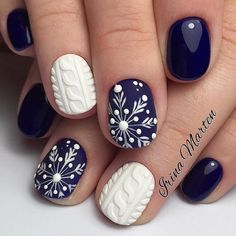 Awesome 44 Simple Nails Art Design Ideas Suitable for Cold Weather. More at http://aksahinjewelry.com/2017/11/02/44-simple-nails-art-design-ideas-suitable-cold-weather/