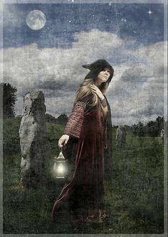 Hedge Witch - Artwork : Book of Shadows Celtic Photography UK Gaia, Hedge Witch, Photo Chat, Mystique, Witch Art, Season Of The Witch, Gods And Goddesses, Book Of Shadows, Wiccan