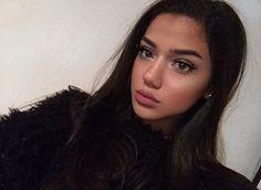 Posting her again bcs she is pretty af
