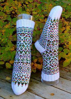 Knitting Socks, Knit Socks, Mittens, Knit Crochet, Free Pattern, Crocheting, Socks, Gloves, Easy Knitting Projects