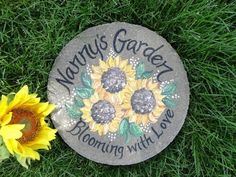 Personalized garden stones for mom and grandmas - Perfect for Mothers Day! Painted Stepping Stones, Garden Stepping Stones, Paver Stones, Painted Rocks, Nanny Gifts, Grandma Gifts, Personalised Gifts Nanny, Sunflower Gifts, Sunflower Garden