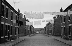 From 1969 to photographer Nick Hedges took pictures of life in Leeds, England. Old Pictures, Old Photos, Leeds City, Northern England, Industrial Architecture, Salford, Old Street, West Yorkshire, Slums