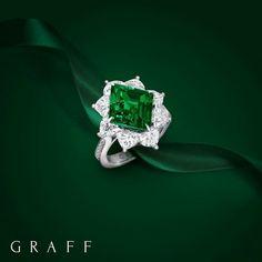 Ladies Luxury Jewelry   Emeralds and Diamonds Rings   #luxuryjewelry