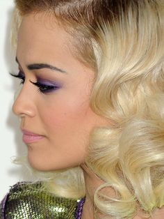 Found! The exact makeup Rita Ora was wearing at the 2014 Grammy Awards: http://beautyeditor.ca/2014/02/03/rita-ora-grammys-2014/