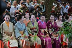 """On Sept. 24 the annual """"Comb Festival"""" at Yasui Konpira-gu Shrine is held. Thats very soon... This unique festival is dedicated to offering thanks to women's combs and hair ornaments."""