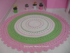 Tapete para quarto infantil! <br>Pode ser feito nas cores que combinam com sua decoração! <br>Medida 1 metro de diametro. <br>Outras medidas consultar valor...