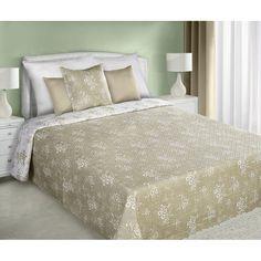 Béžový obojstranný prehoz na manželskú posteľ s maličkími bielymi kvetmi - domtextilu.sk