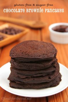 Chocolate Brownie Pancakes {Gluten-Free, Sugar-Free, & Vegan}. The entire fudgy stack is only 253 calories!