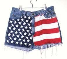 The High Waist American Flag Shorts are Chic #fashion #coachella trendhunter.com