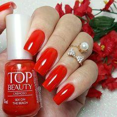 """@Regrann from @dicasdalays -  Boa tarde! Que tal um vermelho poderoso pra hoje?! """"Sex on the beach"""" da @topbeautyoficial . . SIGAM MEU IG DE TRAB. @ju_costa_adesivos . . #unhasdalays #topbeautyoficial #sexonthebeach #emporiofeminino #esmaltes #goodafternoon #parceria #lindaescores #vidrinhos #boatarde #viciadaemvidrinhos #like4like #vidrinhos #quinta #esmaltadassempree #boatardee #boraesmaltar #uñas #dicasdeunhasbr #dasemana #nails #lindaescores #likes - #regrann #unhasjucosta"""