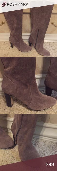 a247cf0a5dc7c ARTURO CHIANG SUEDE BOOTS SIZE 6.5