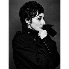 Los retratos del abrigo. Isabel Gaudí @isabelgaudi  Fotografía @mantrana #picoftheday #retrato #portrait #photography #photographer #woman #mujer #actriz #thecoatportraits #losretratosdelabrigo #blackandwhitephotography #actressgaze