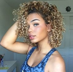 Blonde curls balayage curly locks in 2019 curly hair styles, short hair Curly Hair Styles, Short Curly Hair, Natural Hair Styles, Blonde Curly Hair Natural, Medium Curly, Medium Hair, Wavy Hair, Blonde Highlights Curly Hair, Blonde Curls