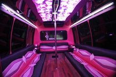 Chicago Wedding Limo Bus themarriedapp.com hearted <3