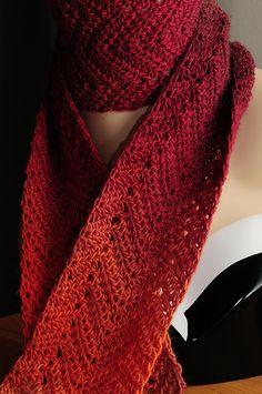 beautiful scarf... Crochet Cape, Crochet Cowls, Crochet Shawls And Wraps, Crochet Afghans, Crochet Scarves, Crochet Patterns, Winter Scarves, Needlecrafts, Head And Neck