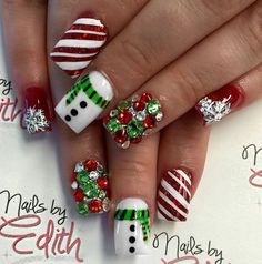 Festive and Fabulous Christmas Nail Art Designs All About Christmas – Fancy Nails Holiday Nail Art, Christmas Nail Art Designs, Winter Nail Art, Winter Nails, Summer Nails, Holiday Candy, Winter Nail Designs, Christmas Design, Cute Christmas Nails