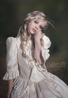 Communion Dresses, Couture Dresses, Victorian, Gowns, Clothes, Fashion, First Holy Communion, Haute Couture Dresses, Vestidos
