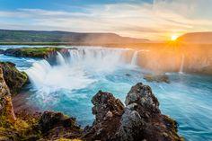 Ihr möchtet mehr über die magische Insel Island erfahren? Hier findet ihr alle Island Tipps, die ich euch im Reisemagazin präsentiere, auf einen Blick!