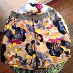 Amazing brand new shorts by designer Rachel Roy - loose flowy fit - size 10 - fit like a large - side and back pockets - retailed for $119