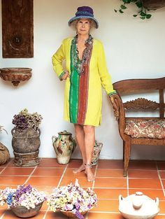 Looking for design inspiration with a royal touch? Look no further than our January issue for pictures of the Duchess of Alba's extravagant home.