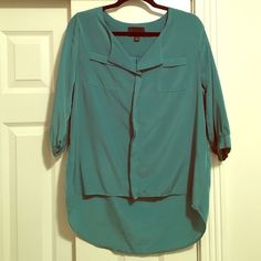 Green blouse Really pretty Cynthia Rowley top- hardly worn and great with leggings or jeans! Open to offers  Cynthia Rowley Tops Blouses