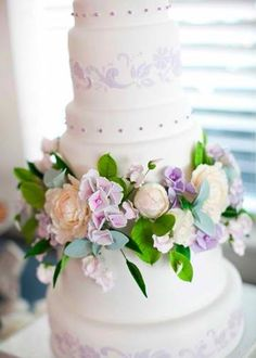 Flowers wedding cake.