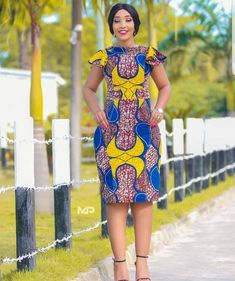 The complete pictures of latest ankara short gown styles of 2018 you've been searching for. These short ankara gown styles of 2018 are beautiful Latest African Fashion Dresses, African Dresses For Women, African Print Dresses, African Print Fashion, Africa Fashion, African Attire, African Wear, Ankara Fashion, African Prints