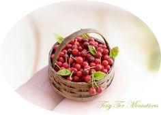 Tiny Ter Miniatures: El placer de comer cerezas
